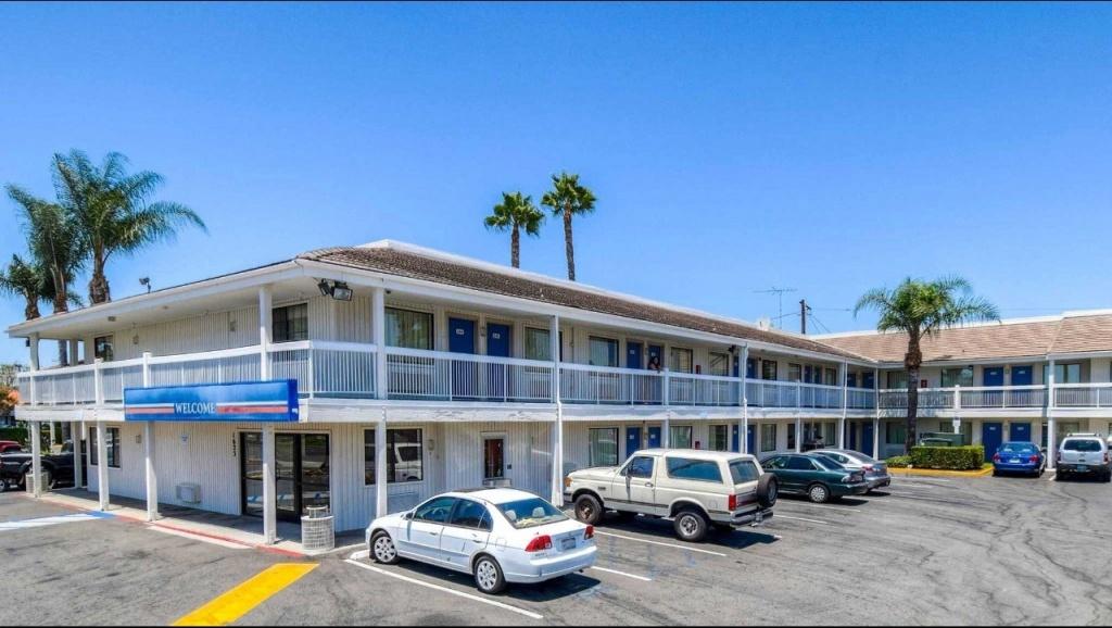 Motel 6 Santa Ana Hotel In Santa Ana Ca ($73+)   Motel6 - Motel 6 Locations California Map